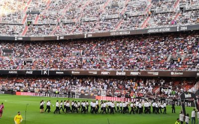 La banda del Casino Musical de Godella toca en Mestalla davant 39.000 espectadors
